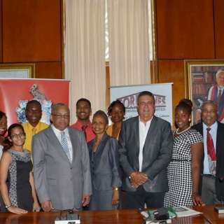 Scholarship Recipients with Gore and UWI Management team-2