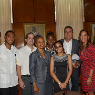 Scholarship Recipients with Gore and UWI Management team-3